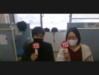 研究紹介時に海外からの参加者からの質問に答えている様子