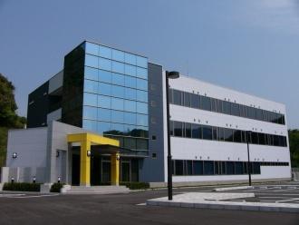 飯塚市新産業創出支援センター(e-ZUKAトライバレーセンター)